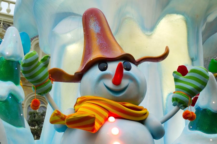 Schneemann in Disney's Weihnachtsparade