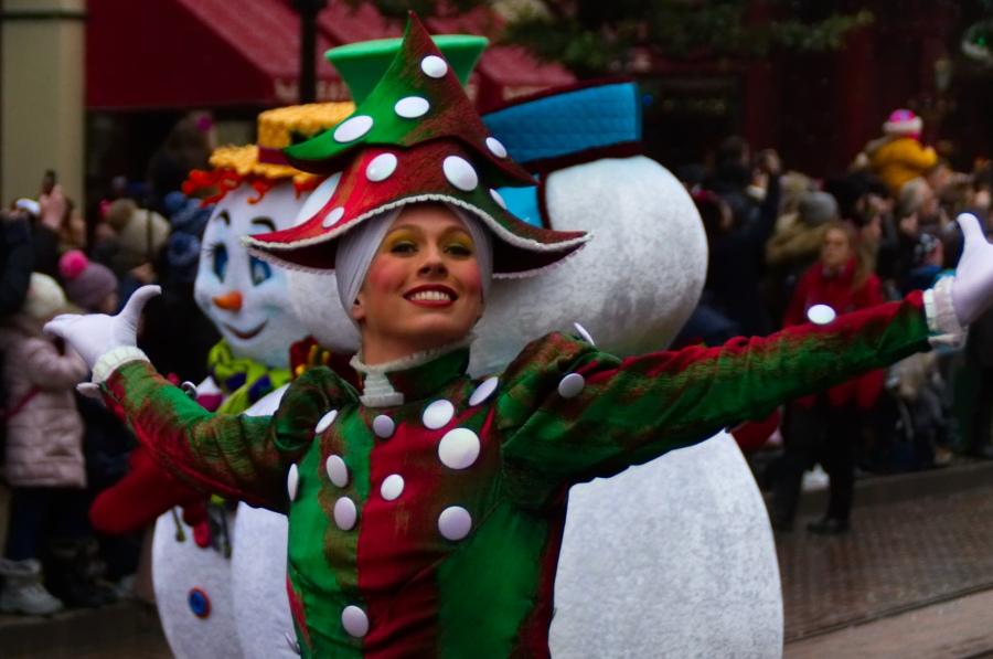 Tänzerin in Disney's Weihnachtsparade