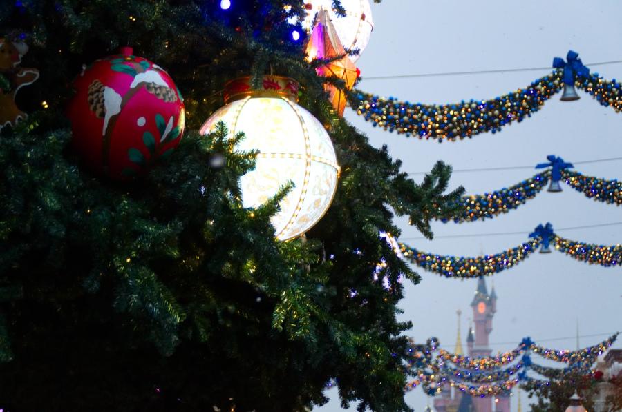 Weihnachtsschmuck auf der Main Street