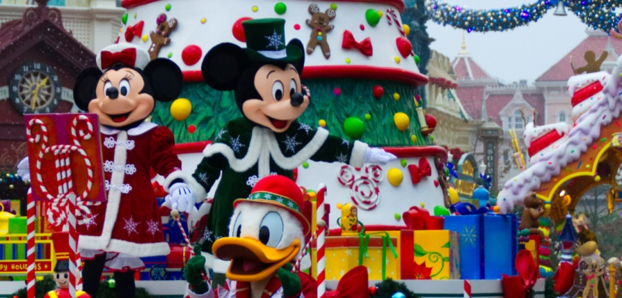 Weihnachtsparade in Disneyland Paris