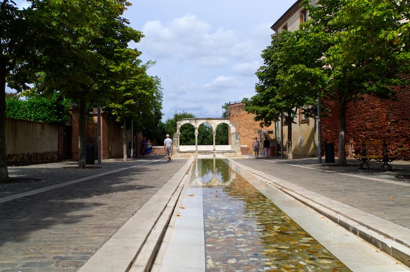 Kleiner Wasserlauf in Albi