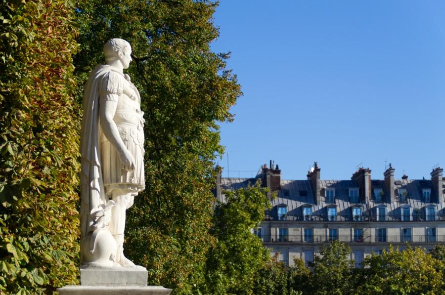 Statue eines römischen Kaisers in den Tuilerien