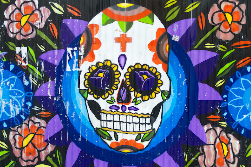 Totenschädel-Streetart