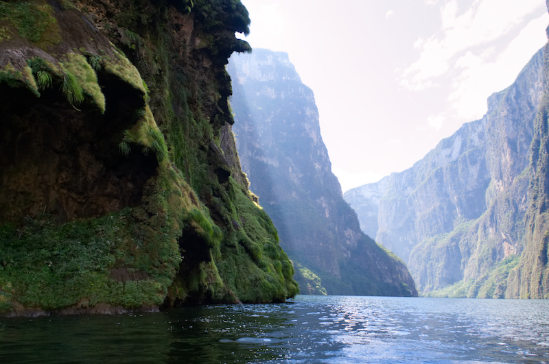 Hohe Schluchten im Cañon del Sumidero