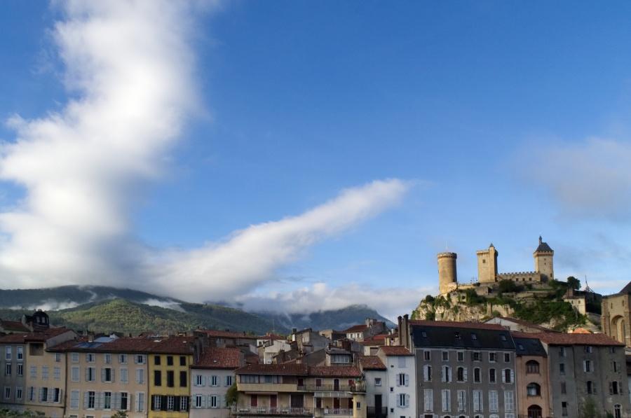 Stadtsilhouette von Foix mit Burg