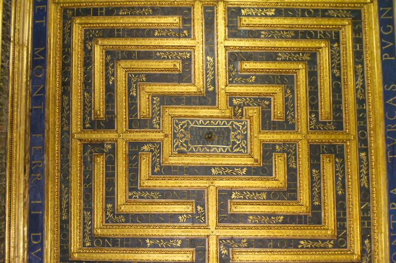 Labyrinth an der Decke des Palazzo Ducale