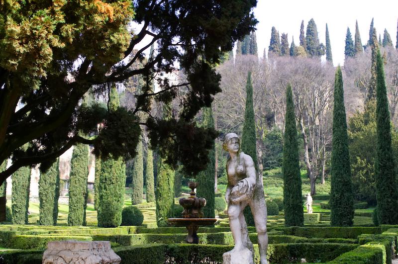 Statue und Hecken im Giardino Giusti