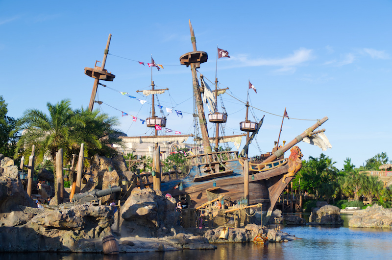 Piratenschiffe in Treasure Cove