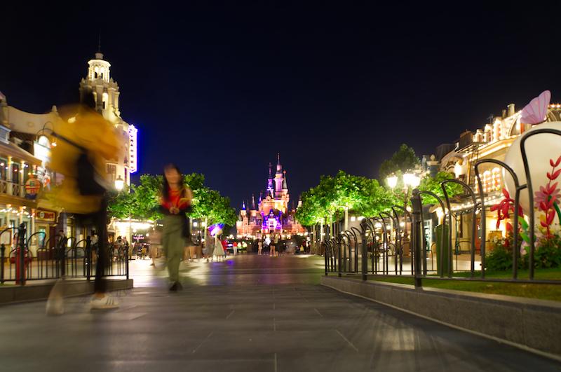 Abend auf der Mickey Avenue