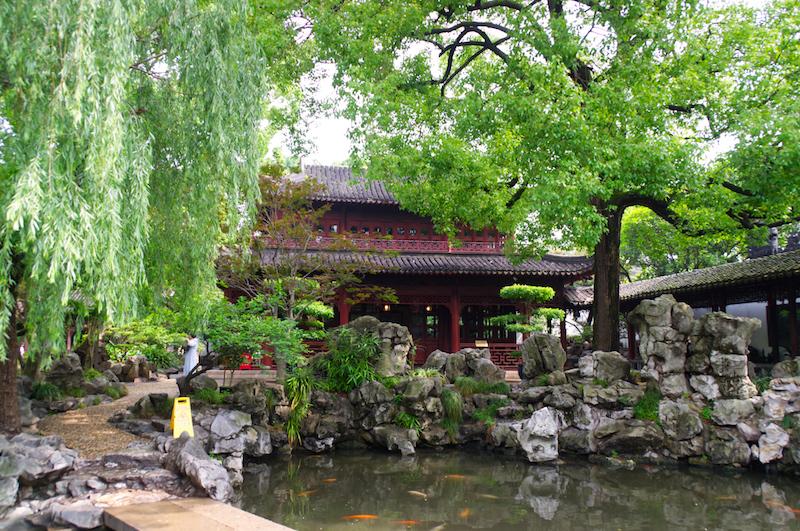 Ein Pavilion in den Yuyuan Gärten