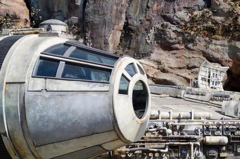 Cockpit des Millennium Falcon