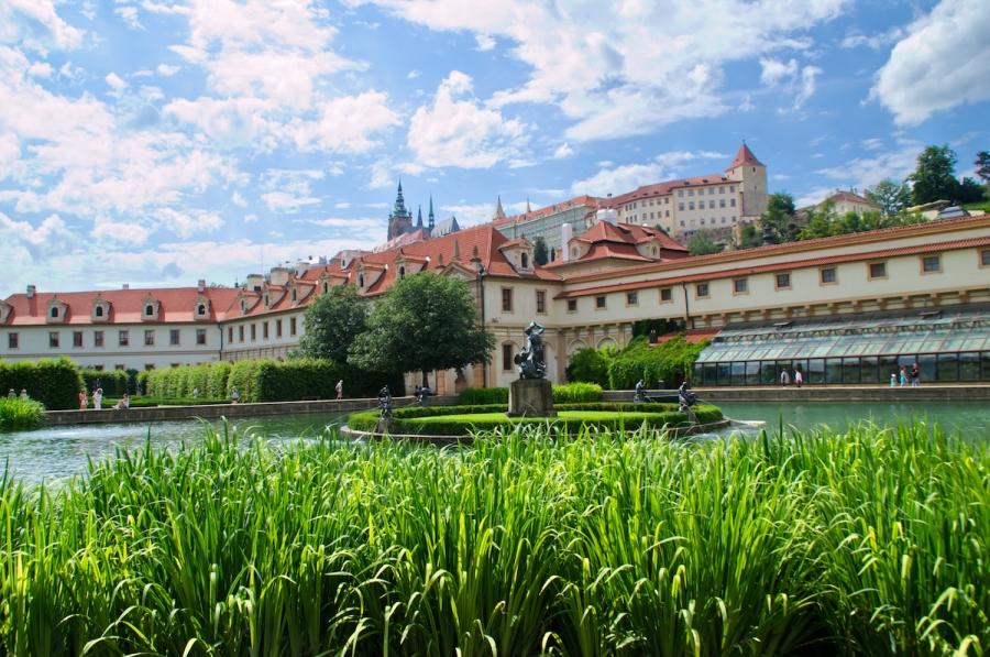 Wallensteins Garten und die Prager Burg thront darüber